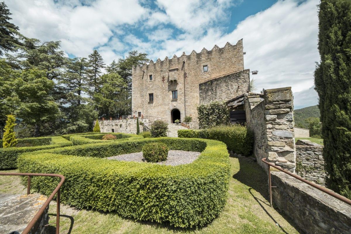 castell montesquiu 4